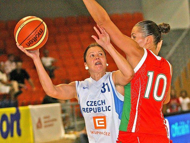 České basketbalistky porazily Bělorusky 75:55.