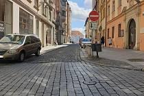 Obnovená cykloobousměrka v Radnické ulici v centru Brna.