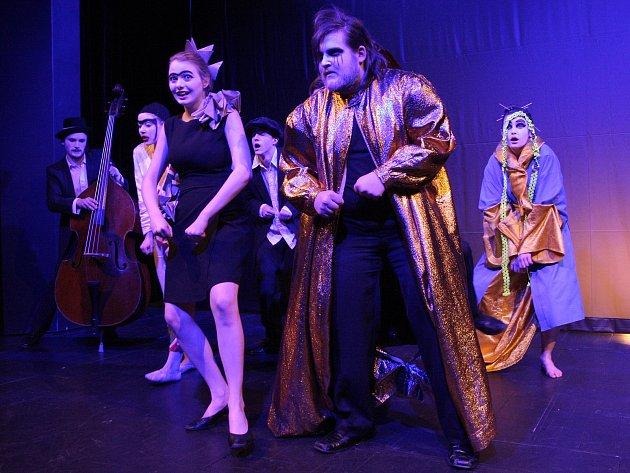 Festival divadelních škol Setkání/Encounter zahájil v úterý komponovaný program v Divadle na Orlí.