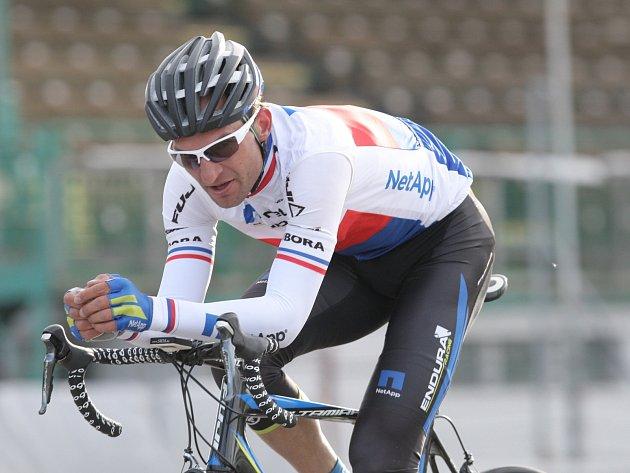 Cyklista Jan Bárta.