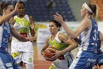 Dosud ve čtvrtfinálové sérii mezi basketbalistkami brněnského Valosunu a Trutnovem platilo, že vyhrává domácí celek. Ve středu večer pravidlo poprvé nezafungovalo a Brňankám hned skončila sezona.