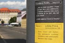 Protiislamistické nálepky v Brně.