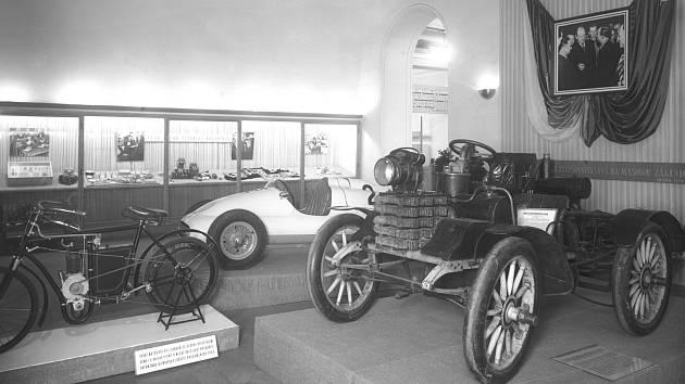 Technické muzeum slaví 60 let: ve sbírkách má parní auto i tramvaj. Podívejte se