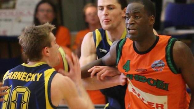 Do Brna se basketbal vrací z Liberce.