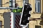 Brno 2.4.2020 - instalace nových semaforů na křižovatce ulic Veveří a Kotlářská