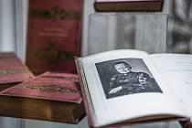 Laureátka Nobelovy ceny za literaturu, žena, která je přirovnávána k Boženě Němcové. Marie Ebnerová z Eschenbachu. Její život a dílo představuje v nových souvislostech výstava Moravského zemského muzea v Brně.