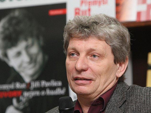Beseda a autogramiáda s Jiřím Pavlicou v Brně.