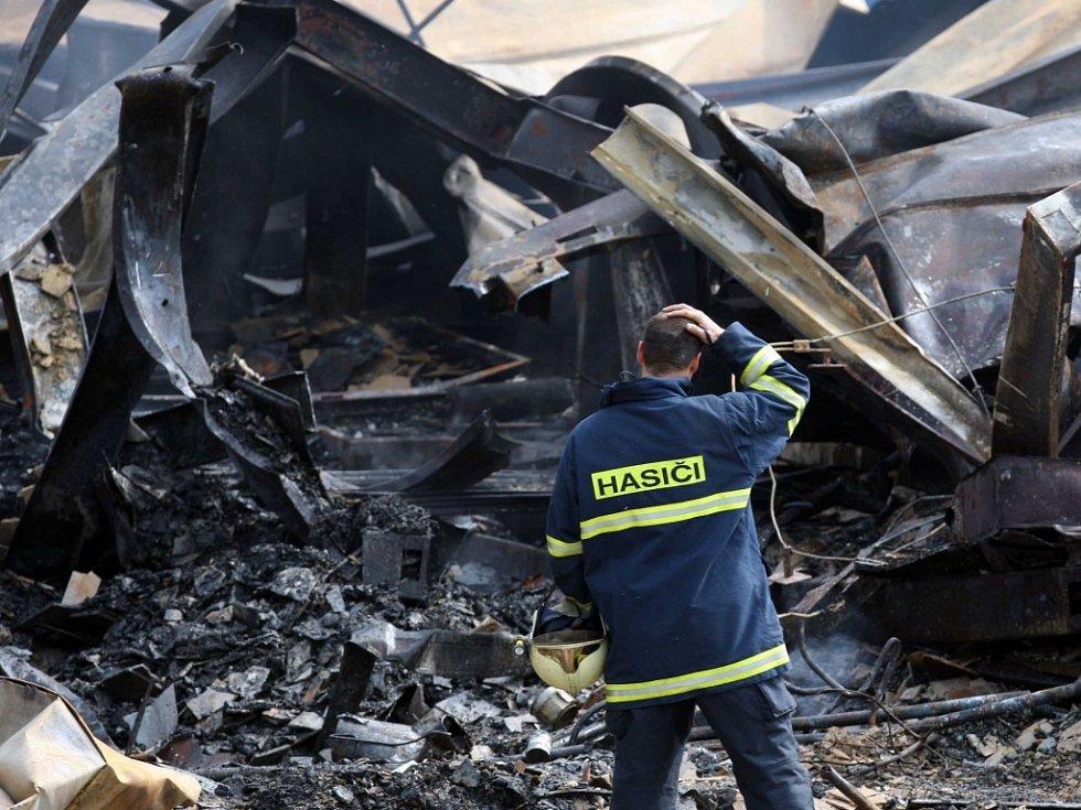 Požár ubytovny u továrny Zetor