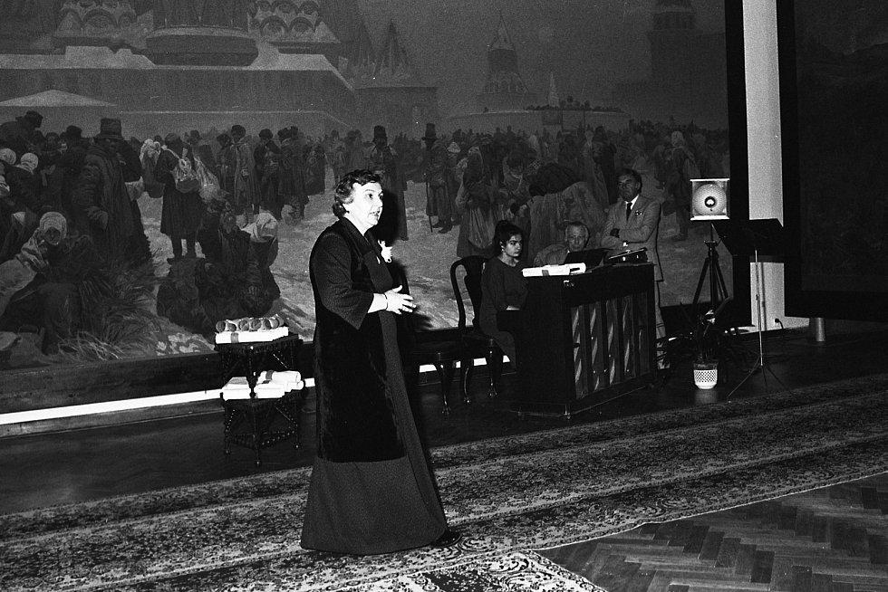 Rok 1989, rekonstrukce a pompézní znovuotevření výstavy, na němž se už vychloubali také představitelé tehdejší moci.