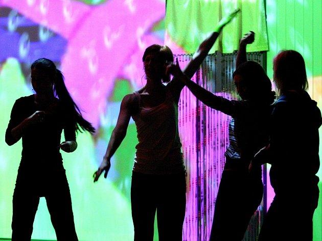 Divadlo na Orlí uvede pozítří premiéru muzikálu Tajemství Žlutého hřbetu. Za doprovodu živého orchestru nabídne hity Suchého a Šlitra
