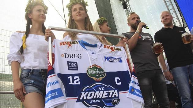 Hokejová Kometa pokřtila nové dresy v pivovaru Starobrno.