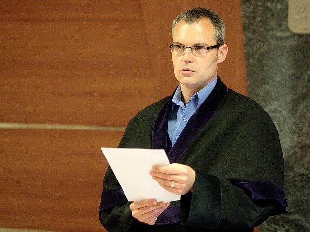Městský soud v Brně ve čtvrtek nepřiznal zbytek odškodnění synovi a matce Vietnamce ubitého v lednu roku 2009 policií v Brně.