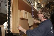 Nové varhany jsou vytvářeny jako mistrovské dílo švýcarské varhanářské dílny Hermanna Mathise.