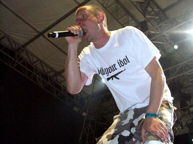 Kapela v čele se zpěvákem Zakem Tellem použije videozáběry z brněnského Majálesu pro nový videoklip.
