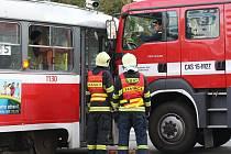 Nehoda hasičského vozu a tramvaje v brněnské ulici Milady Horákové.