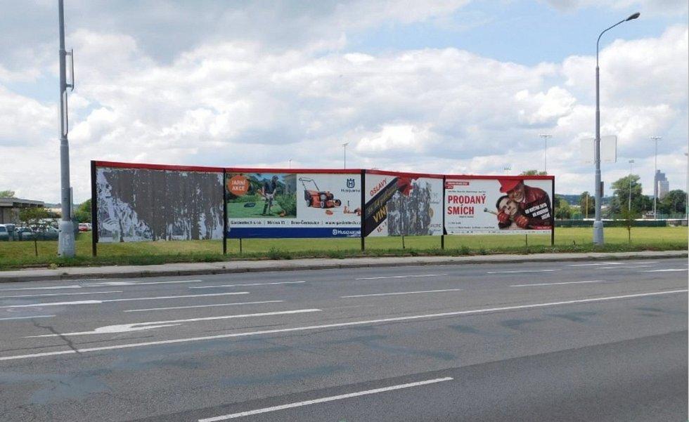 Problematické umístění billboardů v Hněvkovského ulici podle vyjádření dopravní policie.