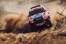 Tomáš Ouředníček a David Křípal se po půl roce sešli v kokpitu speciálu Toyota Hilux.