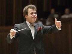 Čtyřiatřicetiletý brněnský rodák Jakub Hrůša je aktuálně šéfdirigentem Bamberských symfoniků.