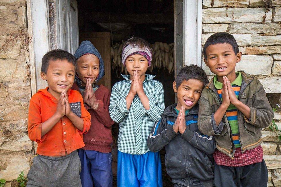I když jsem se snažil zachytit naději, která v Nepálu panuje, stále ve filmu převládá obraz bezmoci. Tak popsal devětadvacetiletý Petr Pospíchal svůj dokument Back2Epicentre, který natáčel v centru nepálského zemětřesení půl roku po katastrofě.