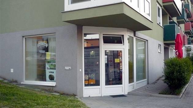 Podnik U Slunce ve Hvozdecké ulici v Kamechách.