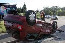 Dvěma zraněními skončila ve čtvrtek večer havárie dvou osobních automobilů v brněnské Bystrci.