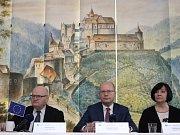 Návrat v čase do devatenáctého století již zanedlouho čeká na návštěvníky hradu Pernštejn u městyse Nedvědice na Brněnsku. Chystá se tam obnova unikátních zaniklých barokních zahrad, které se nachází ve svahu, na němž hrad stojí.