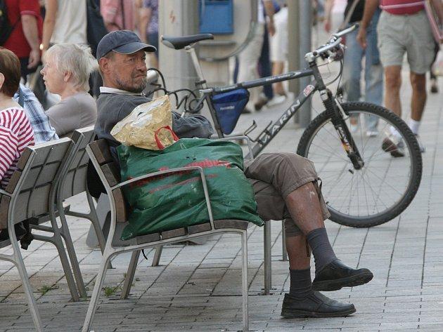 Bezdomovců v Brně přibývá.