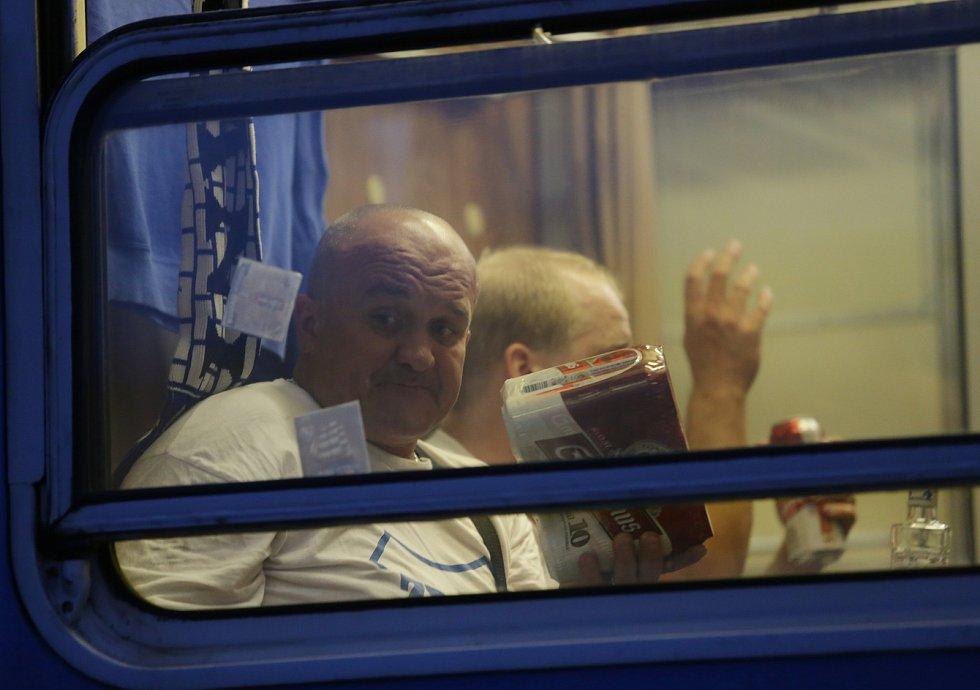 Po vítězném zápase v Brně mohli fanoušci Baníku slavit. Odjezd se tak obešel bez výtržností.