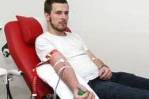 Redaktor Deníku Rovnost Vojtěch Kučerák si na vlastní kůži vyzkoušel, jaké to je darovat krev.