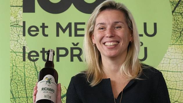 Brněnská Mendelova univerzita slaví 100 let od založení speciální edicí piva, vína i novým logem.
