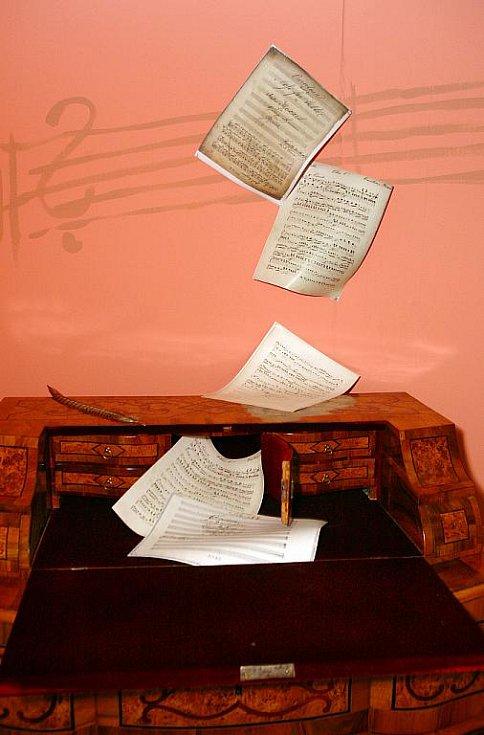 Výstava připomíná život a dílo Wolfganga Amadea Mozarta.