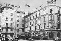 Slavia vznikla propojením tří budov.