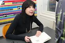Svůj nejnovější román Citová divočina Brňanům v Knihách Dobrovský ve čtvrtek představila spisovatelka Simona Monyová.