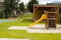 Nové školní zahrady využijí od nového školního roku žáci základní a mateřské školy ve Vranovicích.