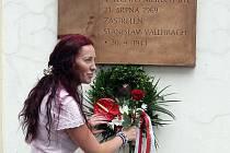 Uctít památku obětí srpna 1968 a 1969 na Moravské náměstí ve středu přišli Brňané i vedení města.