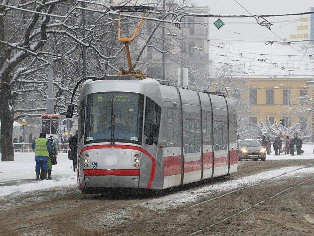 Ve středu ráno Brno zasypal sníh.