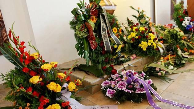 Pohřeb volejbalové legendy Karla Lázničky.