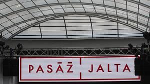 Pasáž Jalta ožívá. Slavnostní otevření moderoval Leoš Mareš, zpíval Michal David