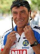 Jiří Daler z Brna si zamiloval cyklistiku už jako malý kluk. Zůstalo mu to. Doma má dokonce i zlatou medaili z olympiády v Tokiu v roce 1964. Na kole jezdí dodnes, každý den.