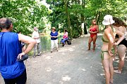 Lidé společně oslavili Evropský den koupání v řekách. Jak jinak, než v řece.