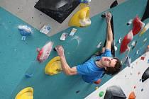 Brněnský lezec Adam Ondra patří ke špičce sportovního lezení.