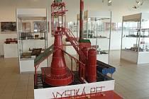 Přes patnáct set kilogramů váží exponáty ze stavebnice Merkur na nové výstavě brněnského technického muzea.