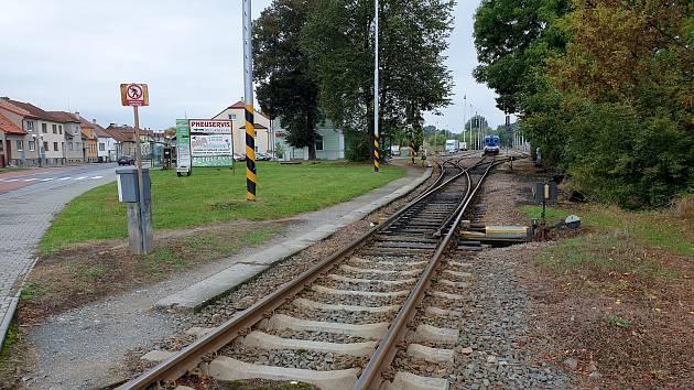 Vedle hlavní železniční stanice v Ivančicích na Brněnsku má za několik let vzniknout přestupní uzel.