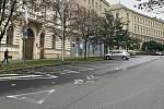 Prázdná vyhrazená stání v Jezuitské ulici v centru Brna.