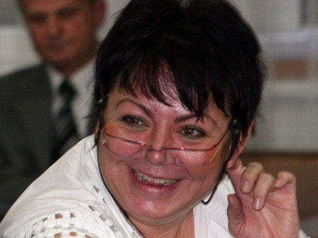 Nynější znojemská senátorka Marta Bayerová získala nominaci KSČM pro kandidaturu v podzimních volbách. Znojemská organizace trvá na Krátkém.