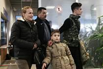 Iráčtí uprchlíci na letišti Václava Havla.