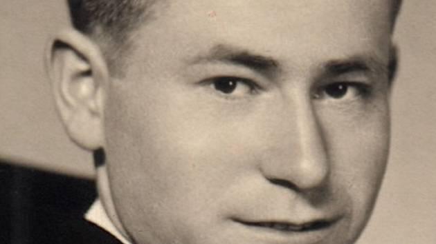 Fotografie brněnského kněze Bohuslava Buriana, jedné z obětí komunistických perzekucí po roce 1948.
