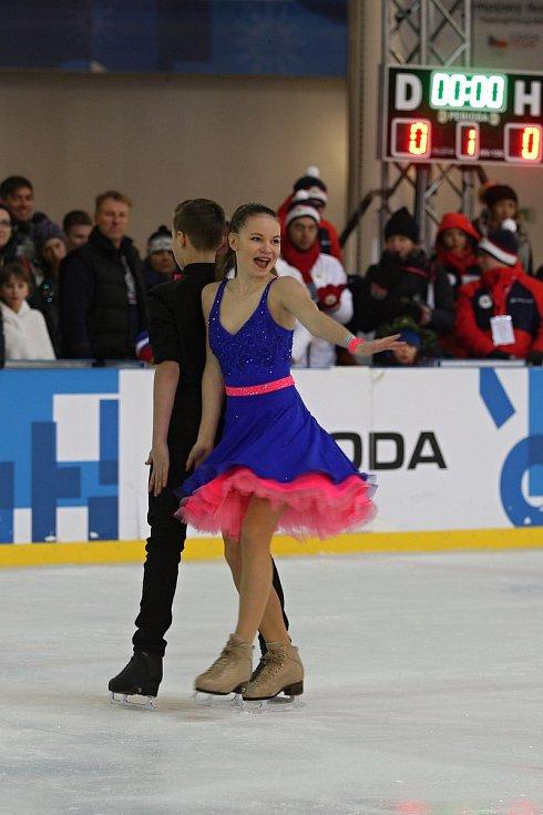Konec Olympijského festivalu v Brně uzavřeli krasobruslaři a krasobruslařky na ledě.