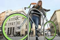 Cyklistický stojan - ilustrační fotografie.