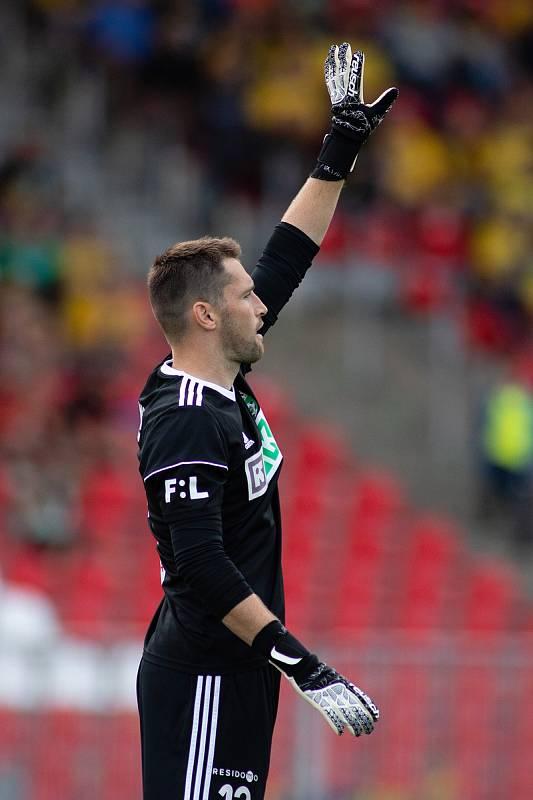 Brno - Zápas 6. kola fotbalové FORTUNA:LIGY mezi SFC Opava a MFK Karviná 25. srpna 2018 na Městském stadionu v Brně. Martin Berkovec (MFK Karviná).